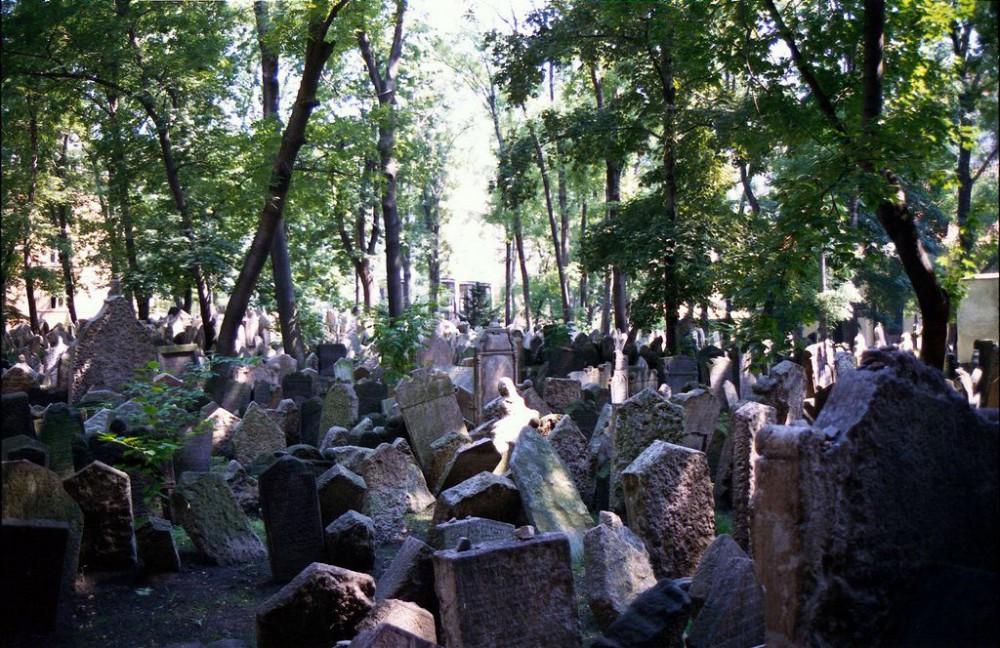 Надгробные камни на Старом еврейском кладбище