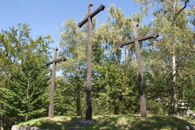 "Холм ""У трех крестов"" (Tři kříže)"