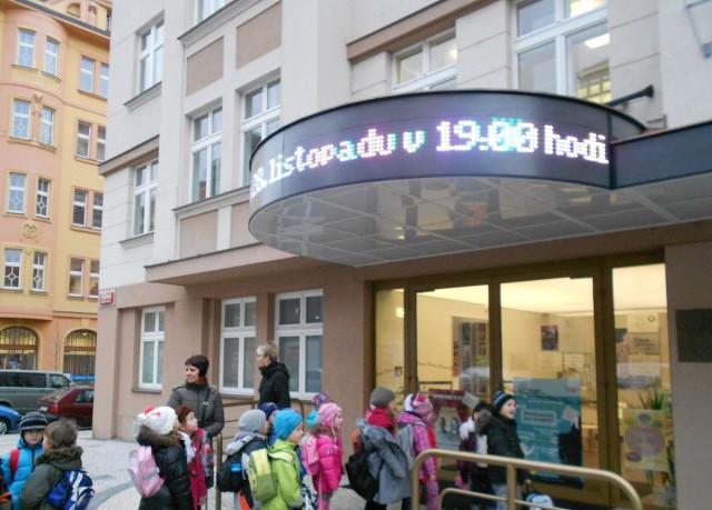 Театр «Спейбла и Гурвинка» (Divadlo Spejbla a Hurvinka)