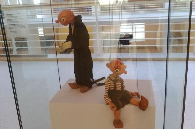 Марионетки Спейбл и Гурвинек в галерее Праги