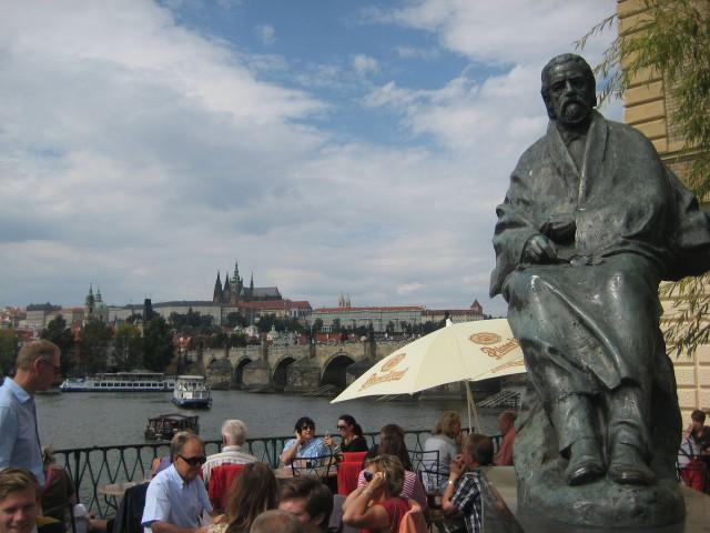 Памятник Сметане
