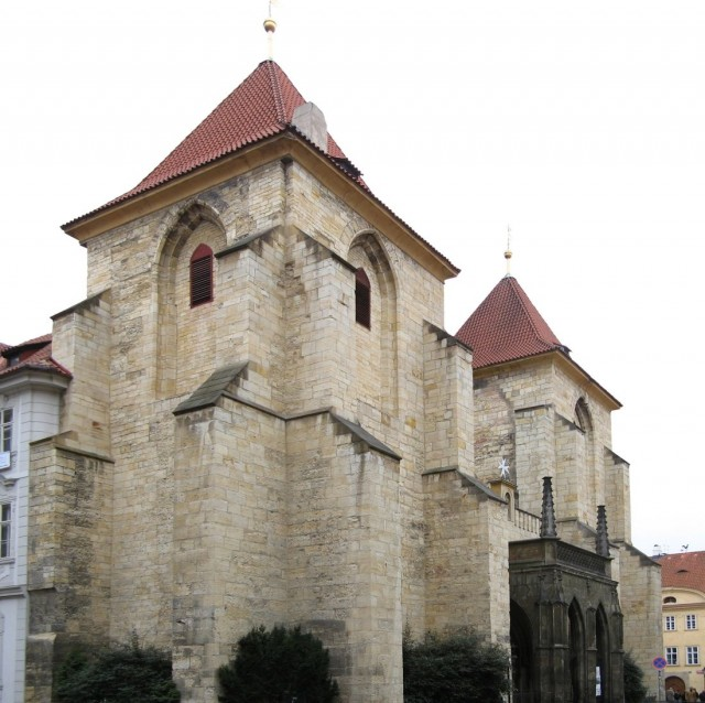 Церквовь Д. Марии под цепью (Kostel Panny Marie pod Řetězem)