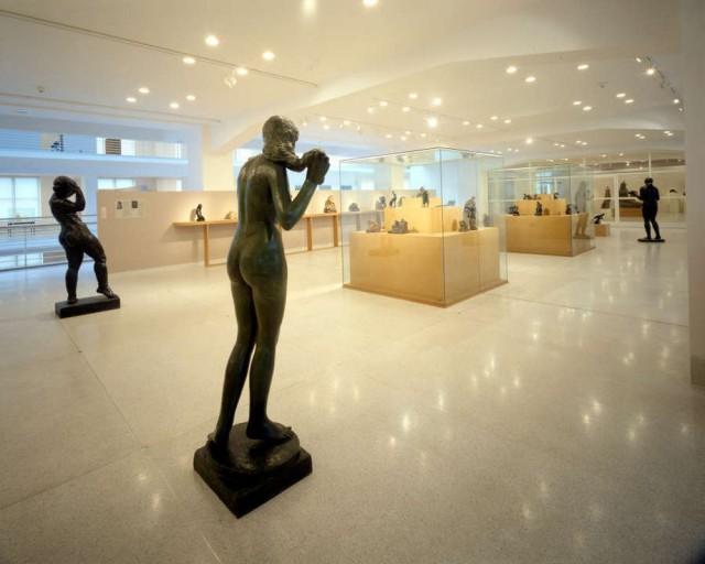 Дворец ярмарок - Музей современного искусства (Veletržní palác - Muzeum moderního a současného umění)
