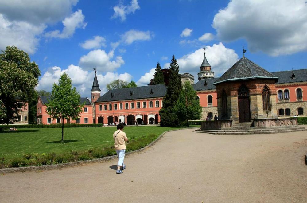 Замок Сихров (Sychrov)