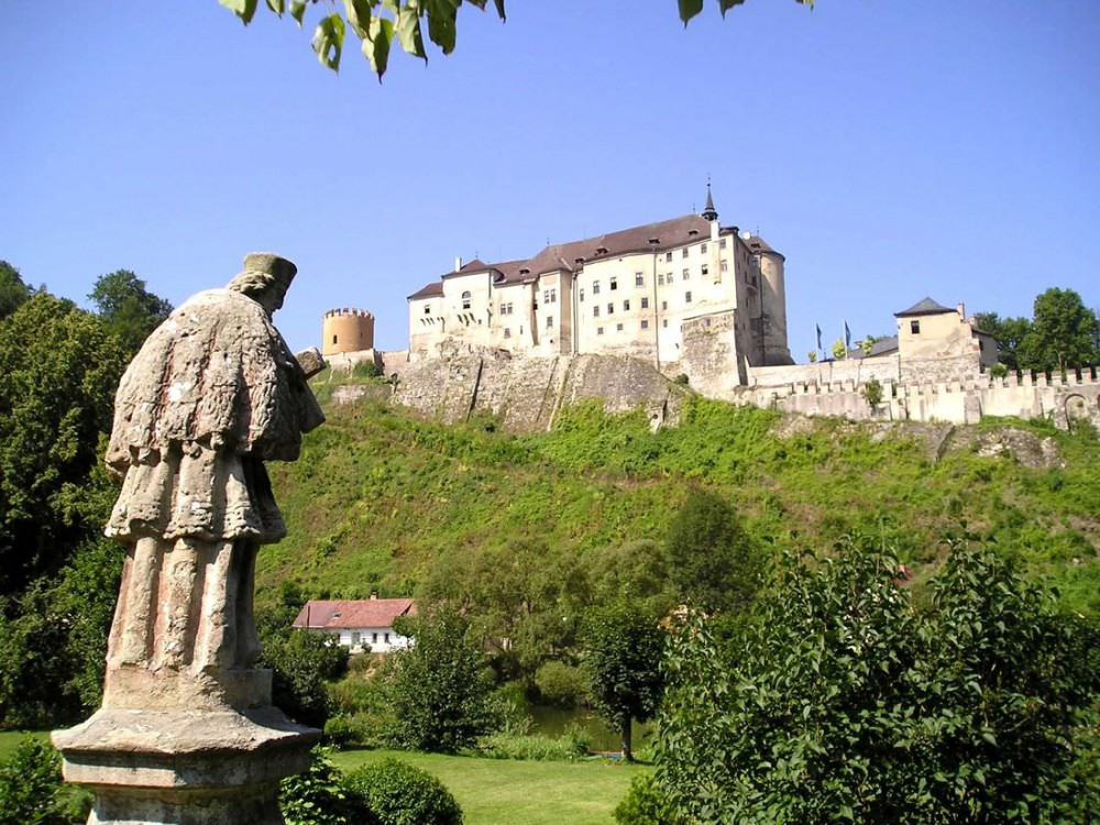 Замок Чески-Штернберк (Český Šternberk)