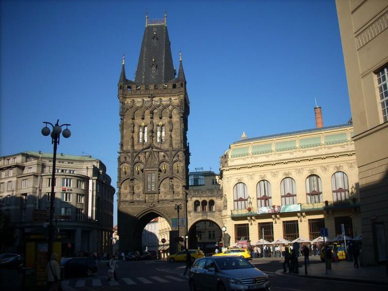 Пороховая башня или Пороховые ворота (Prašná brána)