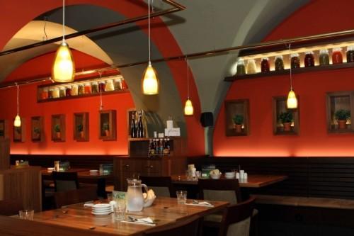 "Пражский ресторан ""Гиберния""  (restaurace Hybernia)"