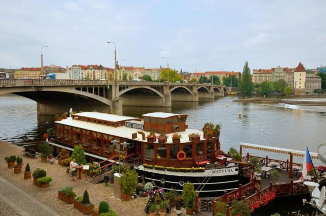 Йираскув мост (Jiráskův most)
