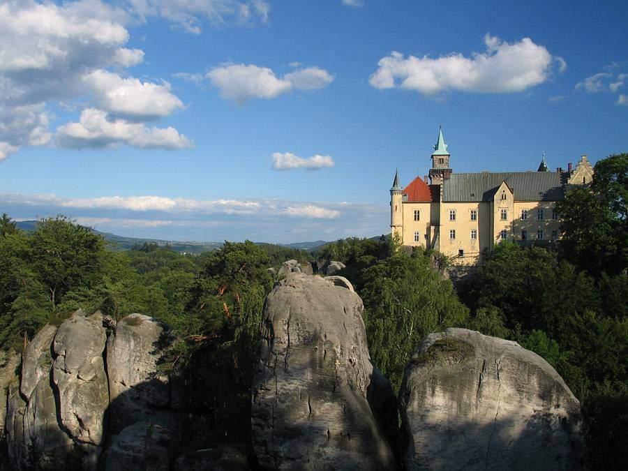 Замок Груба Скала ( Hrubá Skála)