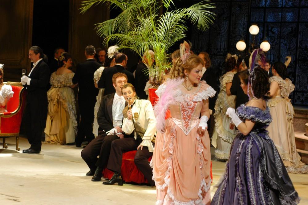 Оперетта Штрауса «Летучая мышь» в новогодний вечер в Пражской Опере