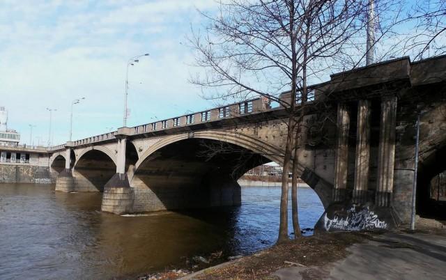 Главков мост  (Hlávkův most)
