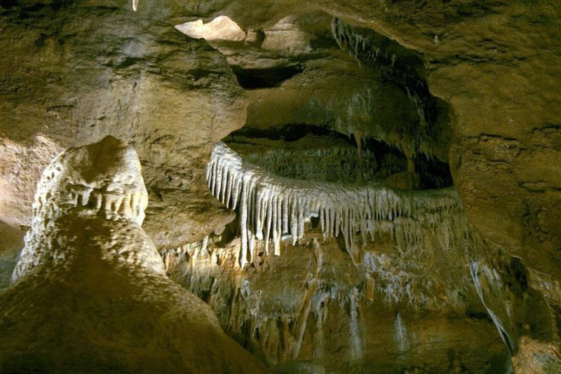 Конепрусские пещеры (Koněpruské jeskyně)