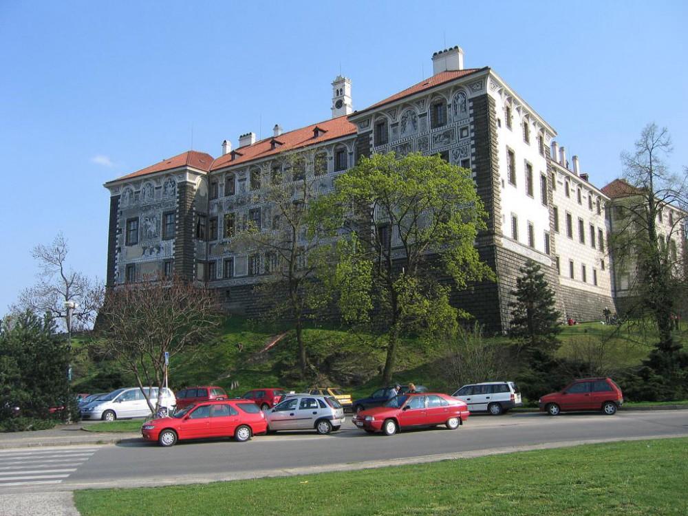 Замок Нелагозевес (Zámek Nelahozeves)