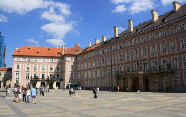 Третий двор Пражского Града (Tretí nádvoří Pražského hradu)