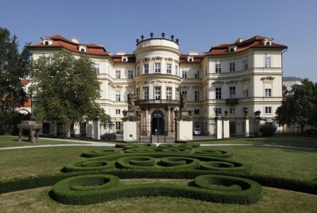 Дворец Лобковичей (Lobkovický palác)