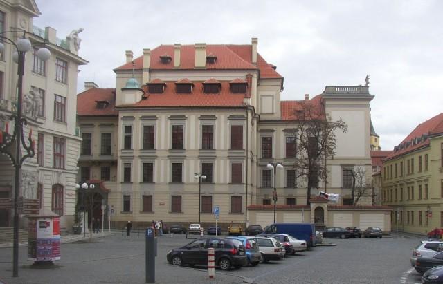 Дворец Клам-Галласов (Clam-Gallasův palác)