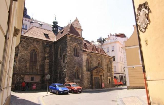 Церковь Св. Мартина в Стене (sv. Martin ve zdi)
