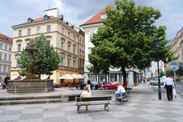 Площадь Угольный рынок (Náměstí Uhelný trh)