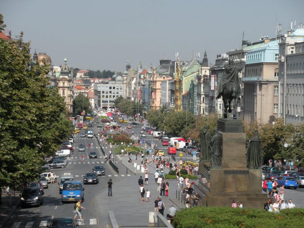 Вацлавская площадь (Václavské námĕstí)