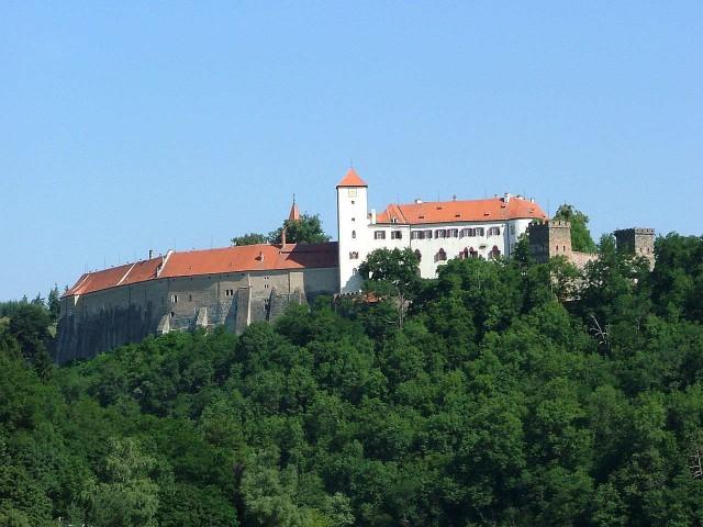 Замок Битов (Hrad Bítov)