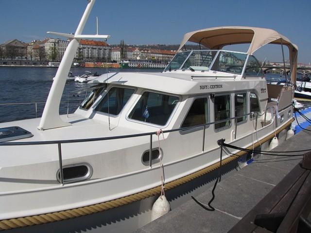 Выставка катеров и яхт 2012 (LODĚ NA VODĚ 2012)