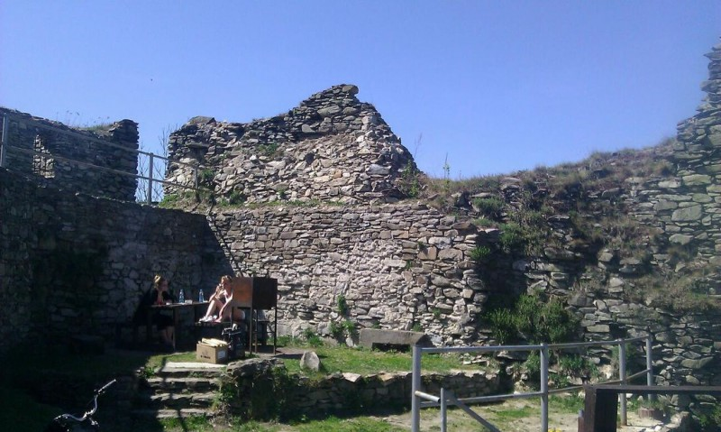 Развалины замка Толштейн (Tolštejn)