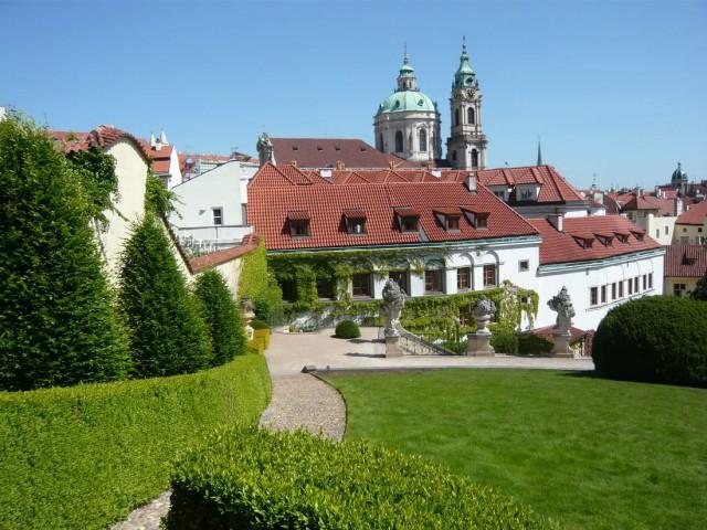 Вид с Вртбовского сада