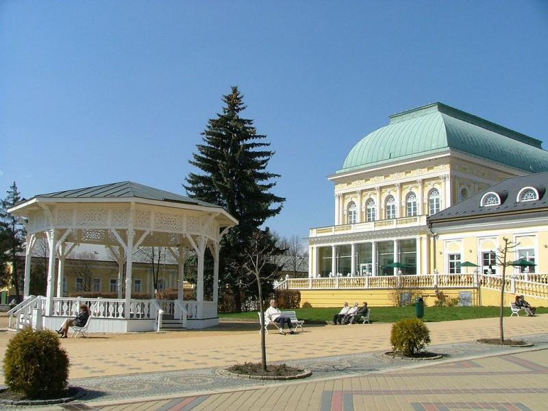 Франтишковы Лазне (Františkovy Lázně)