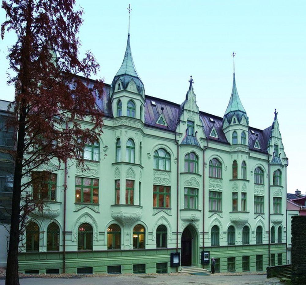 Музей стекла и бижутерии (Muzeum skla a bižuterie v Jablonci nad Nisou)