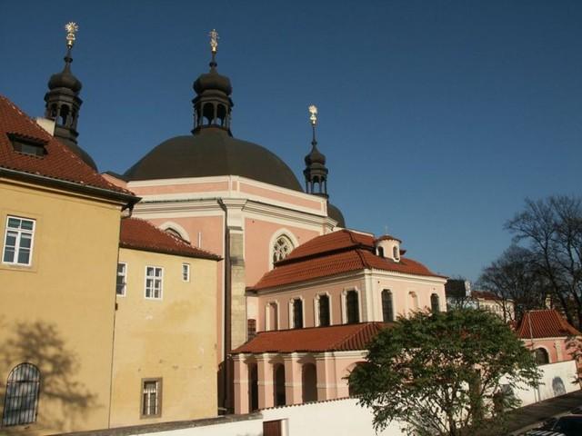 Церковь девы Марии и святого Карла Великого (Kostel Panny Marie a svatého Karla Velikého)