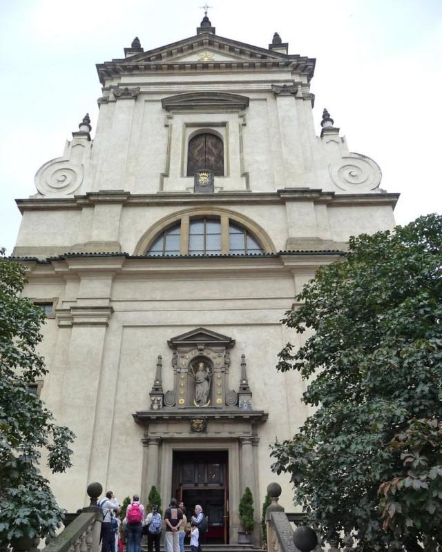 Церковь Д. Марии Победоносной (kostel Р. Marie Vítězné)