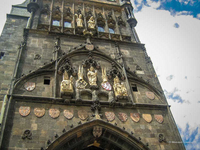Скульптурное украшение башни