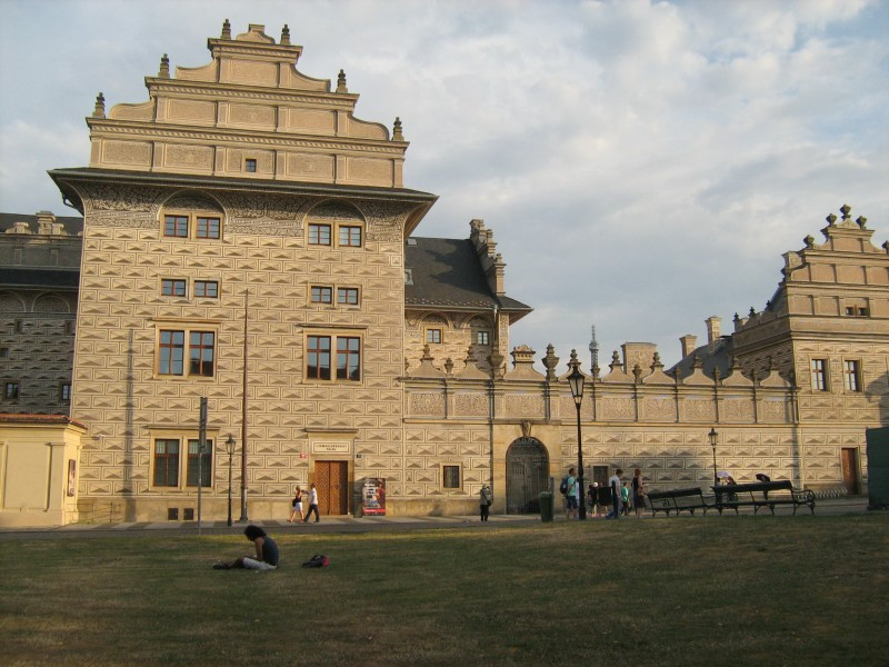 Шварценбергский дворец - визитная карточка Градчанской площади