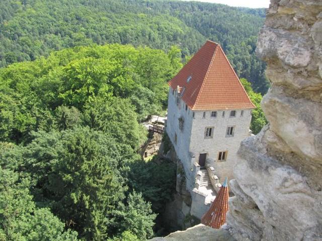 Замок Кокоржин (Hrad Kokořín)