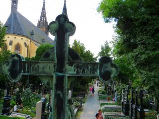 Вышеградское кладбище и усыпальница Славин