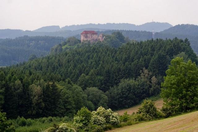 Замок Пецка (Hrad Pecka)
