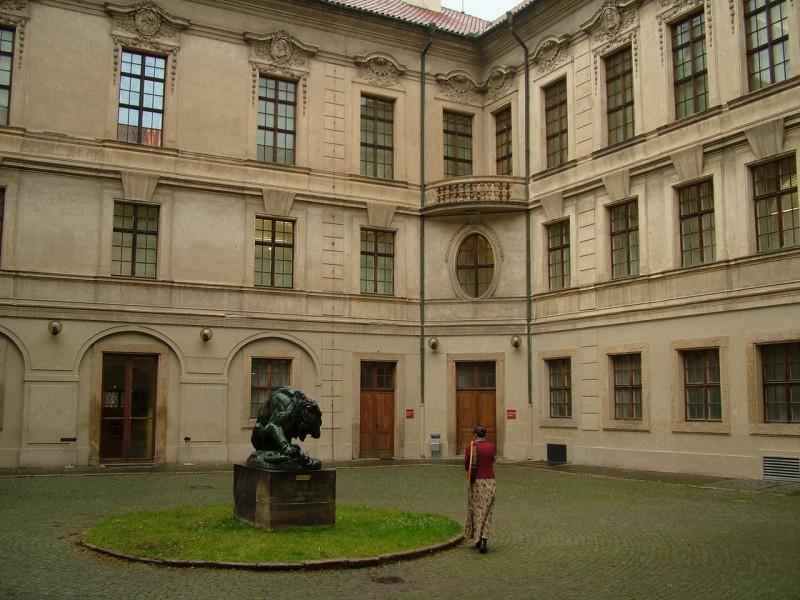 Штернбергский дворец (Šternberský palác)