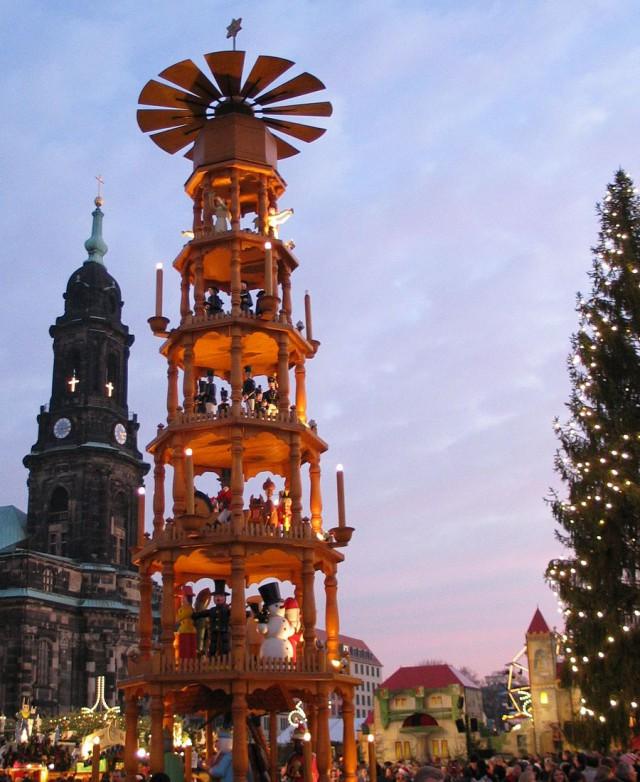 Рождественская пирамида (Weihnachtspyramide)