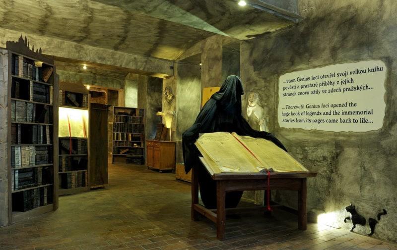 Дух Праги и гигантская книга слухов