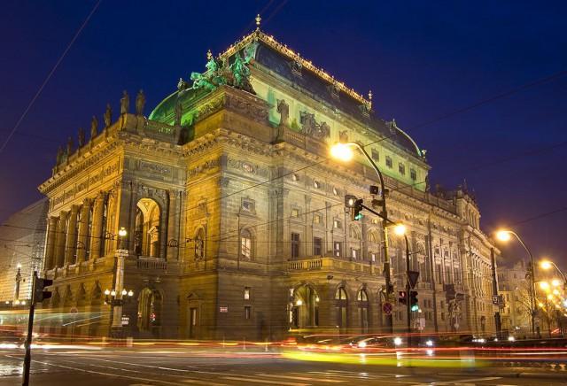 Национальный театр (Národní divadlo).