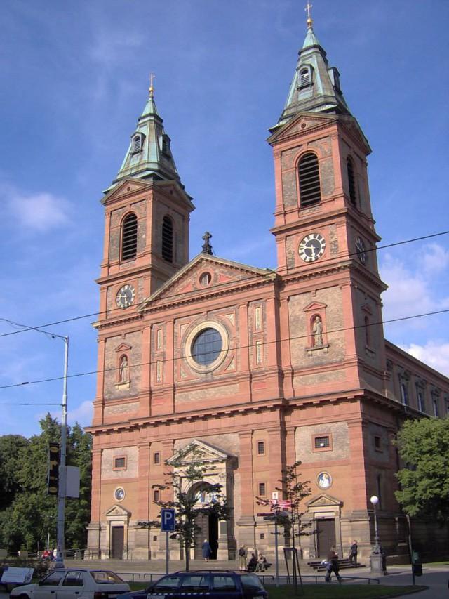 Костел св. Вацлава на Смихове (Kostel svatého Václava (Smíchov).
