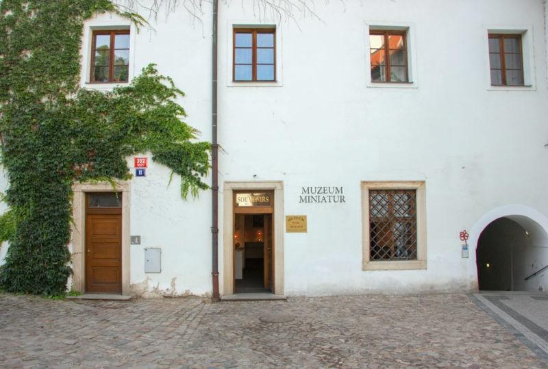 Вход в Музей миниатюр (Muzeum miniatur)