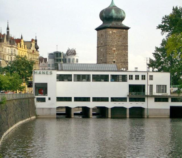 Выставочное здание общества «Манес»