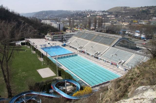 Стадион и плавательный бассейн в районе Подоли (Podolí).