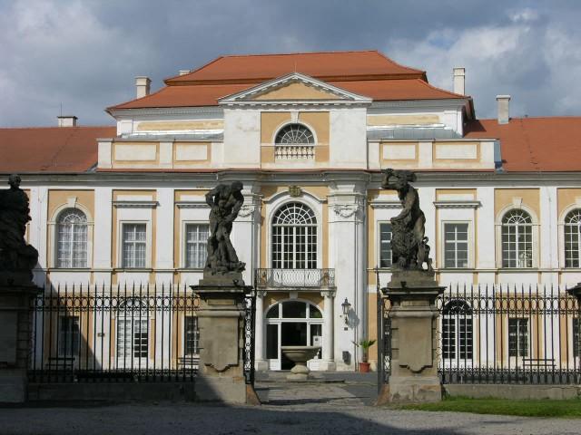 Замок Духцов (Zámek Duchcov)