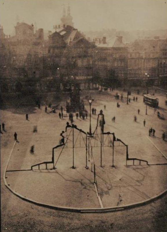 Деревянный муляж будущего памятника