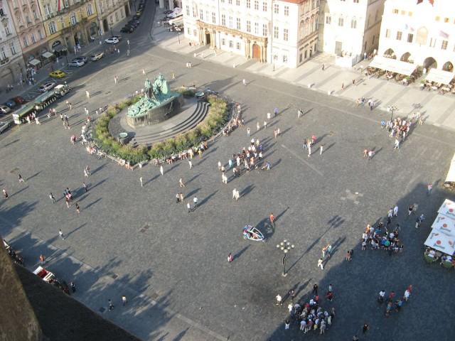 Памятник Яну Гусу на Староместской площади в Праге