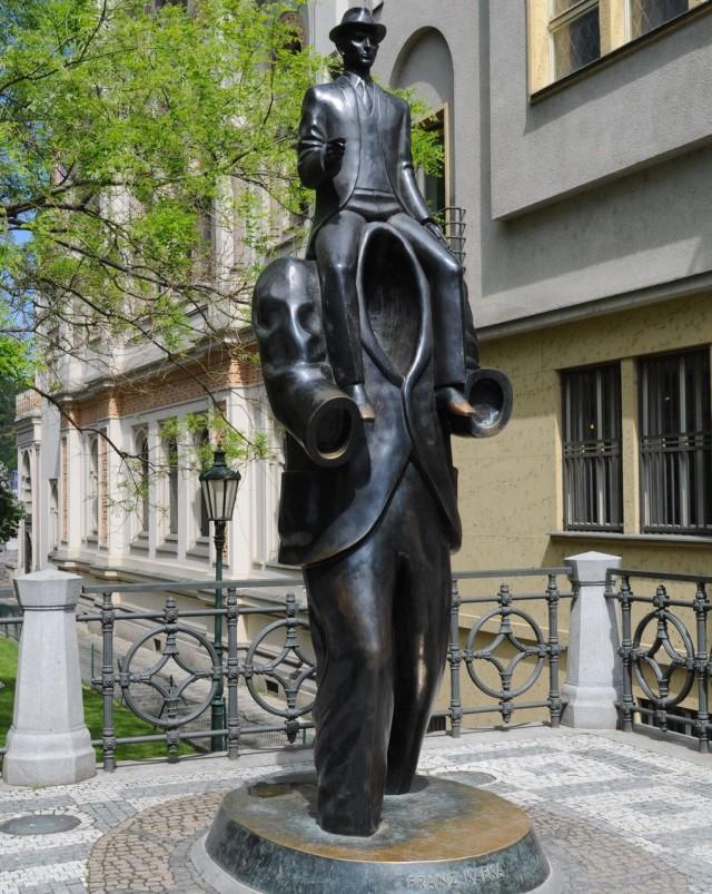 Памятник  Францу Кафке, Прага