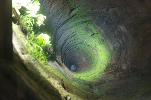 Крепостной колодец один из самых глубоких в Европе – 152,5 метра в глубину при ширине 3,5 метра