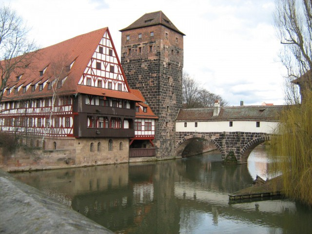 Винный склад и водонапорная башня